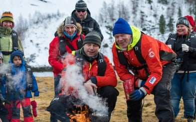 Bli med i Expedition team for spesielle turer på land.