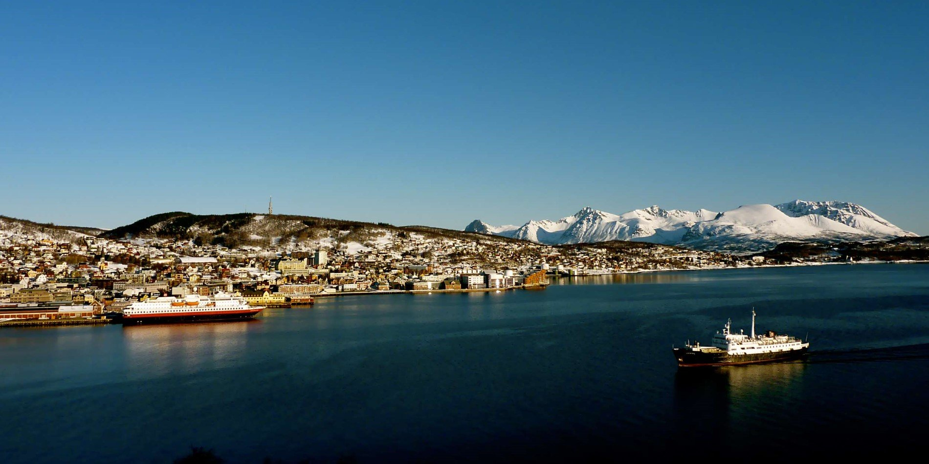 2500x1250_Harstad_Port-MS-Nordnorge_BY_Marit-Madsen_Guest-Image.jpg